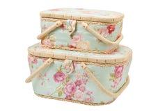 Dos cestas para el almacenamiento de los accesorios para coser Imagen de archivo