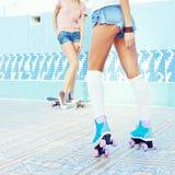 Dos chicas jóvenes hermosas Imagenes de archivo