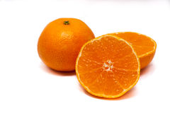 Dos clementinas en un fondo blanco Imagen de archivo