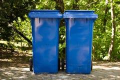 Dos compartimientos de basura industriales Imágenes de archivo libres de regalías