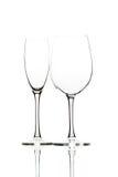 Dos copas de vino vacías en blanco Fotografía de archivo libre de regalías
