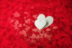 Dos corazones blancos fotos de archivo