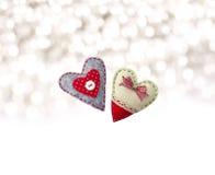 Dos corazones de la materia textil Artesanía de la materia textil Fotos de archivo libres de regalías