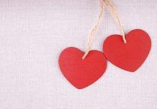 Dos corazones de madera Foto de archivo libre de regalías