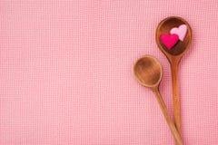 Dos corazones en la cuchara Imagen de archivo libre de regalías