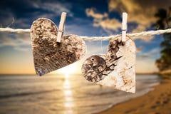 Dos corazones en una línea Imagen de archivo libre de regalías
