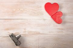Dos corazones fotografía del día de tarjetas del día de San Valentín Cámara de la película fotografía de archivo libre de regalías