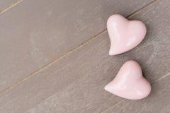 Dos corazones rosados Imagenes de archivo