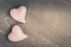 Dos corazones rosados Fotos de archivo libres de regalías