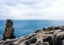 DOS Corvos de Nau rappelle, un caprice rocheux de la mer Images libres de droits