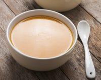 Dos cuencos de sopa de la calabaza foto de archivo
