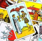 2 dos de la oferta de la carta de tarot de las tazas de los pares felices de la relación observa solamente para uno a sociedad/Fr ilustración del vector