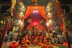 Dos deidades en Man Mo Temple Imagen de archivo libre de regalías