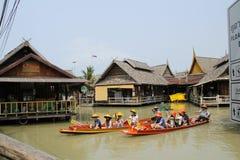 Dos del barco en el watermarket en Tailandia Imágenes de archivo libres de regalías
