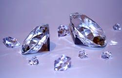Dos diamantes con los fragmentos Fotografía de archivo