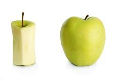 Dos diversas manzanas verdes Imagen de archivo libre de regalías