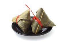 Dos envolvieron las bolas de masa hervida chinas del arroz Foto de archivo libre de regalías