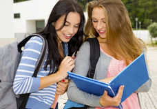 Dos estudiantes adolescentes hermosos Fotografía de archivo