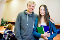 Dos estudiantes universitarios Foto de archivo