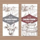 Dos etiquetas de la lechería con el cortijo, vaca, latas de la leche stock de ilustración