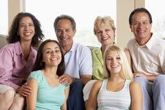 Dos familias junto foto de archivo