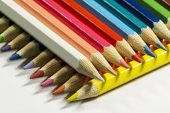 Dos filas de lápices coloreados Imagen de archivo