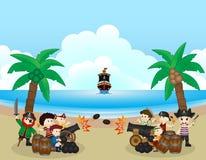 Dos grupos del pirata están luchando en la playa Imágenes de archivo libres de regalías
