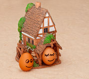Dos huevos sonrientes divertidos  Imágenes de archivo libres de regalías