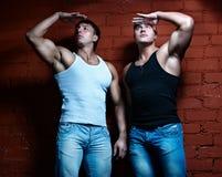 Dos individuos musculares Foto de archivo libre de regalías