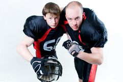 Dos jugadores de fútbol americano foto de archivo libre de regalías