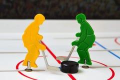 Dos jugadores de hockey Fotos de archivo libres de regalías
