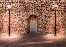 Dos lámparas delante de la pared Fotografía de archivo libre de regalías