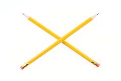 Dos lápices de ventaja cruzados Foto de archivo libre de regalías