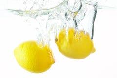 Dos limones fotografía de archivo libre de regalías