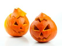 Dos linternas anaranjadas de Gato O de las calabazas de víspera de Todos los Santos Foto de archivo
