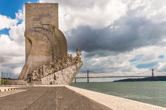 DOS lisbon för området för belem descobrimentosupptäckter lokaliserade monumentpadraoen portugal till Arkivfoton