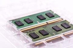 Dos módulos de la memoria de SODIMM en el empaquetado protector Fotografía de archivo libre de regalías