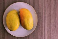 Dos mangos Imagen de archivo