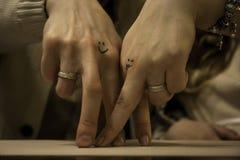 Dos manos de amantes Fotografía de archivo