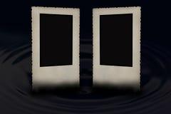 Dos marcos biselados de la foto del vintage en el negro Imagenes de archivo