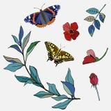 Dos mariposas azul y amarillo rodeados por las hojas verdes y las flores rojas Sistema del verano para el diseño Ilustración del  stock de ilustración