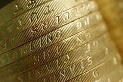 Dos monedas de libra macras Imagen de archivo libre de regalías