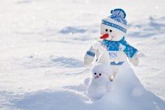 Dos muñecos de nieve. Imagen de archivo