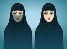 Dos muchachas árabes de la animación en ropa tradicional Fotografía de archivo