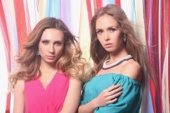 Dos muchachas Imágenes de archivo libres de regalías