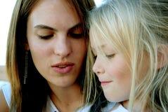 Dos muchachas Imagenes de archivo