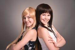 Dos muchachas adolescentes Imagen de archivo libre de regalías
