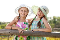 Dos muchachas alegres Foto de archivo
