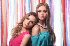 Dos muchachas de partido Foto de archivo libre de regalías
