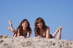 Dos muchachas hermosas jovenes Fotos de archivo